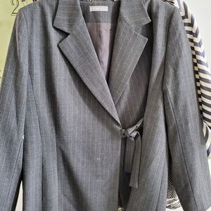 KATE HILL BLAZER IN EXCELLENT CONDITION